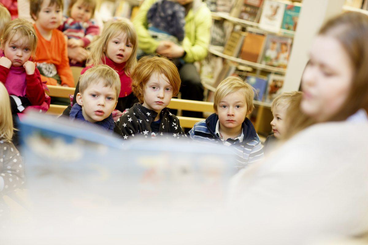 Hyvä kirja tukee lapsen kehitystä