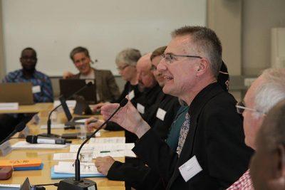 Kirkkojen maailmanneuvoston maailman lähetyksen ja evankelioimisen komission kokous Helsingissä 2019. Johtaja Risto Jukko kuvan keskellä.