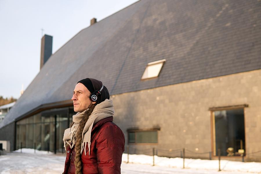 Kuokkalan kirkko ja arkkitehti Jani Jansson.