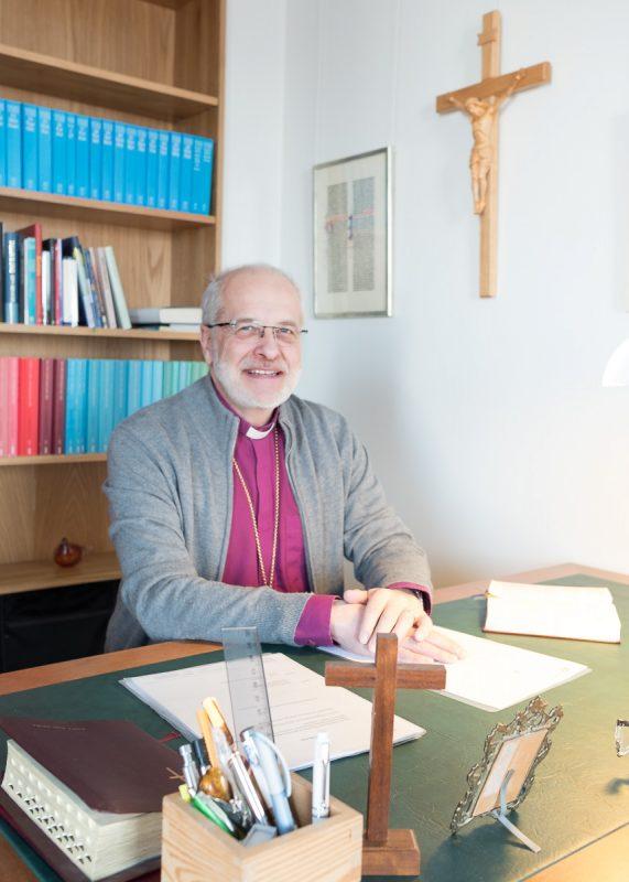 Piispa Simo Peura