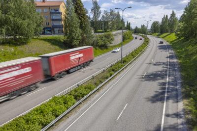 Vilkas tie Jyväskylässä. Nelostie ohittaa kaupungin.