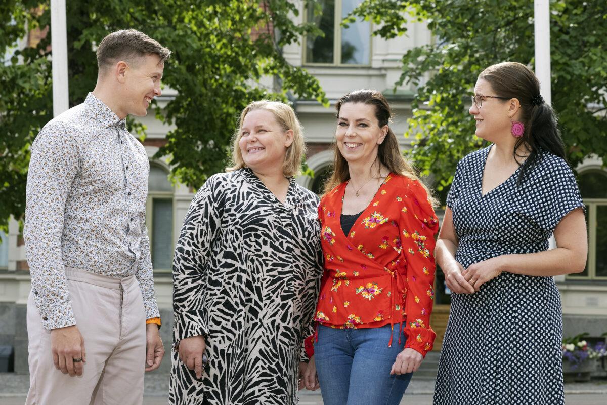 Jyväskylän kaupunginvaltuutetut Caius Forsbergin, Heidi Rentola, Ilse Weijo ja Leena Lyytinen.